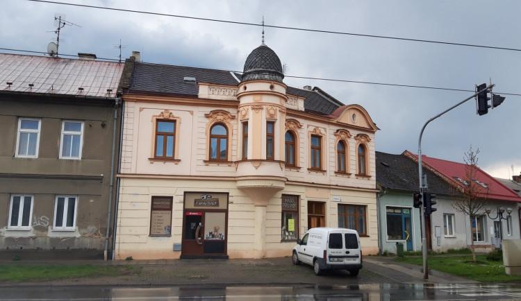Olomoucká prodejna Family Barf byla vykradena, nyní žádá o pomoc