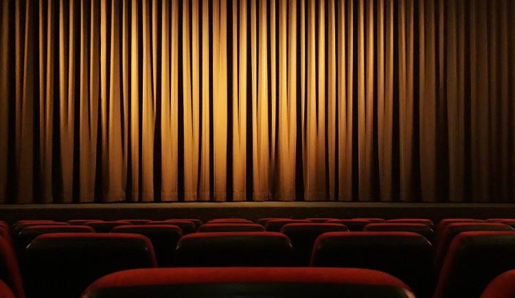 Pět kin v Olomouckém kraji přepnulo do online režimu. Podívejte se, jak projekty fungují