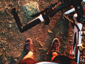 Úsek oblíbené cyklostezky Bečva u Přerova prochází opravou. Do konce týdne je třeba se jí vyhnout