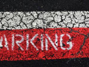 V Olomouci se postupně obnovovuje placené parkování