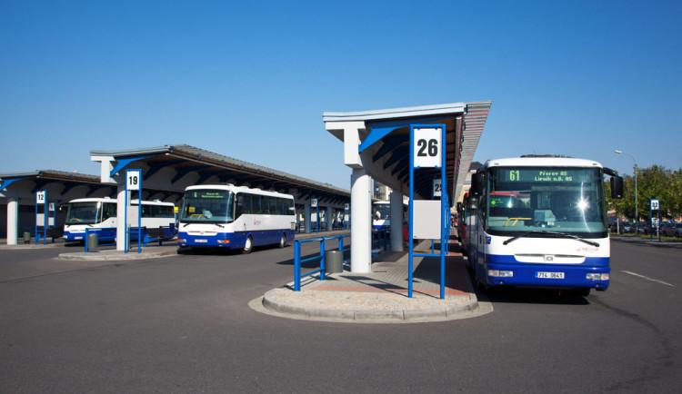 V Přerově končí bezplatná autobusová doprava. Od pondělí zaplatíte i za parkování