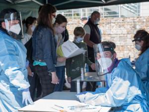 V kraji se vyléčili z koronaviru další dva lidi, celkem jich je již 448