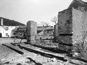 Javoříčko si připomíná otřesnou minulost, před 75 lety tam nacisté zastřelili 38 mužů, vesnici vypálili