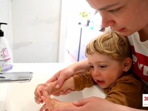 VIDEO: Jak by měly děti správně pečovat o svou hygienu? Společnost pro ranou péči natočila edukativní video