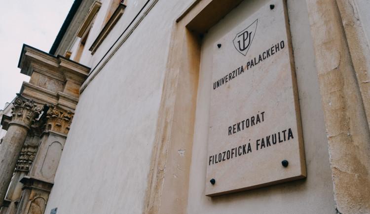 Olomoucká univerzita odložila kvůli pandemii promoce až na podzim