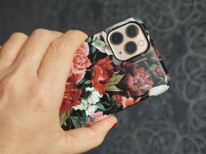 Dívka chtěla přes internet koupit iPhone 11. Muži poslala 16 tisíc, telefon stále nemá