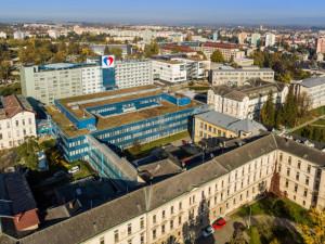 Návštěvy u pacientů povolily jen dvě nemocnice v Olomouci