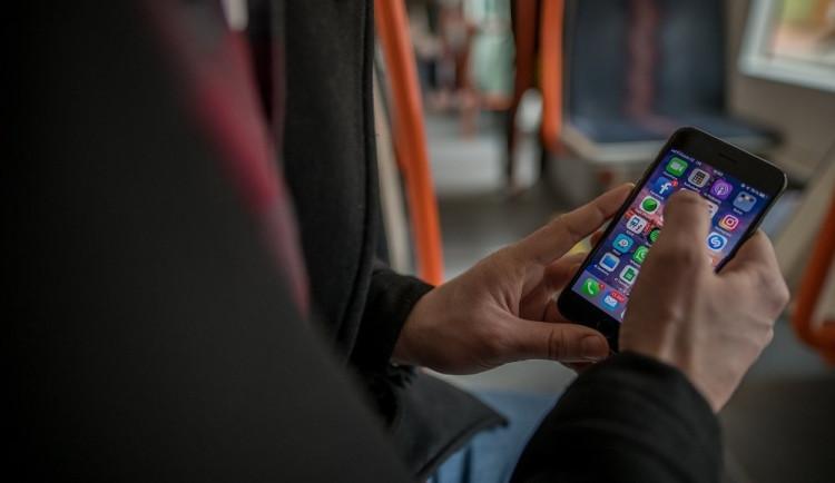 AKTUÁLNĚ: Volání, internet ani televize nefungují. Vodafone postihl masivní výpadek