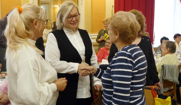 Vítání občánků v Přerově a osobní gratulace se ruší. Budou se rozesílat dárky poštou
