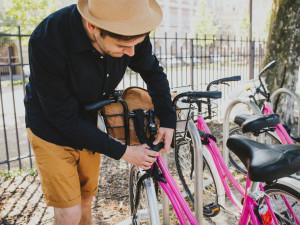 Sdílená kola a elektrokoloběžky v Olomouci? Město hledá praktická a bezpečná řešení