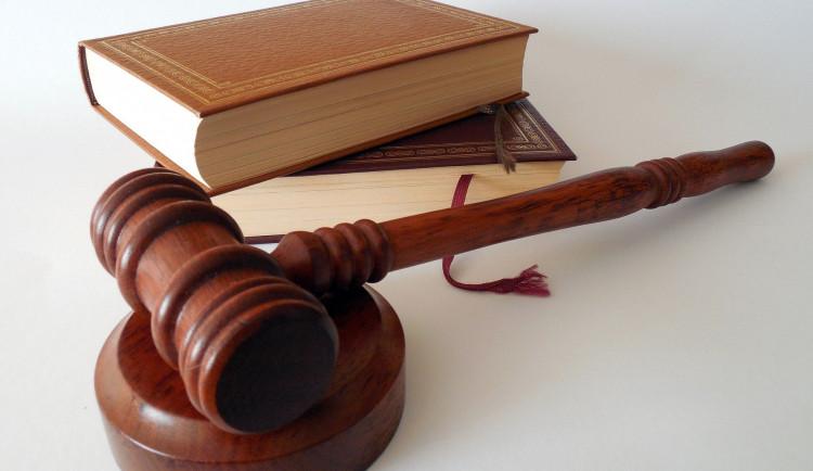 Soud ve Vidkunu finišuje se svědky. Na řadu přijdou odposlechy