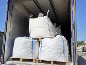 Olomoučtí celníci zadrželi kamion při nelegální přepravě 18 tun odpadu