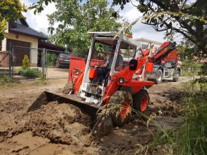 Povodeň zasáhla přes polovinu vesnice. Odhad škod je 500 milionů korun