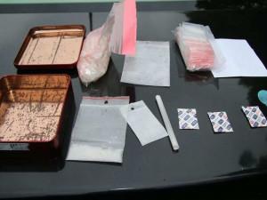 Drogoví dealeři byli dopadeni. U jednoho policisté našli dokonce 65 gramů pervitinu