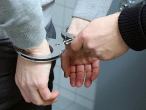 Soud potvrdil muži pět let za čtyři loupežná přepadení starších žen v Olomouci