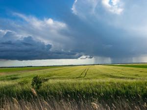 V Česku hrozí bouřky a přívalové deště