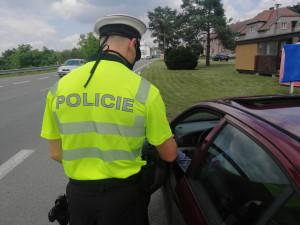 FOTO: Během uplynulého víkendu kontrolovali provoz na silnicích téměř dvě stovky policistů