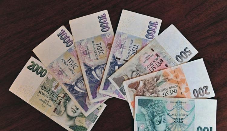 Podvodníci uzavírali falešné životní a úrazové pojištění, vyšplhali se na částku 237 milionů korun