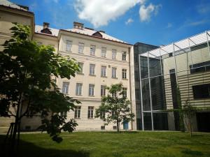 Studenti Slovanského gymnázia Olomouc chystají letní divadelní večery