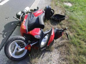 V Olomouci se srazila motorka s autobusem. Motorkáře z místa odvezla záchranka