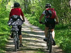 Cyklistická sezóna je v plném proudu. Co patří do povinné výbavy kola?