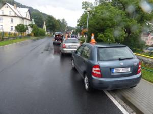 Policie pátrá po řidiči, který způsobil dopravní nehodu dvou aut. Z místa nehody ujel