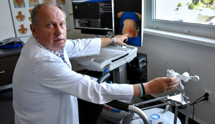 Medici UP získali přístroje pro nácvik porodnických a gynekologických vyšetření. Vyšly na 4,5 milionu korun
