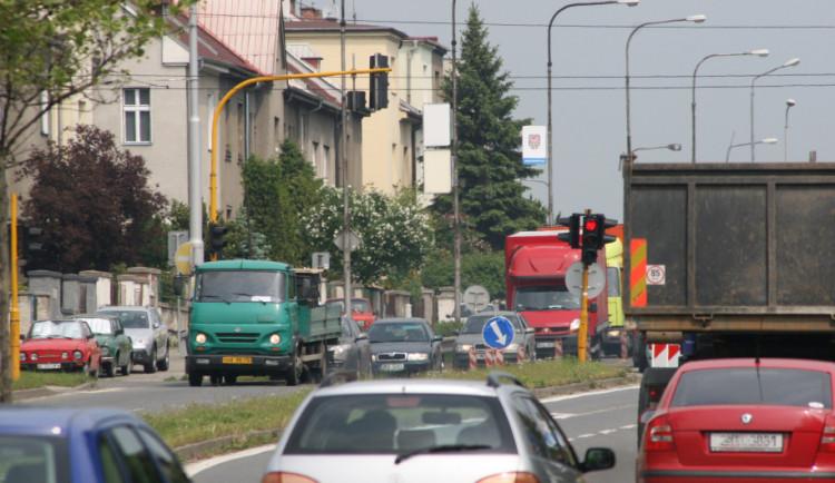 Čtyři frekventované křižovatky projdou modernizací. Práce na chytrém řízení provozu začínají už v pondělí