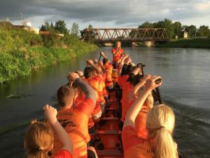V sobotu se na řece Moravě pojede závod dračích lodí