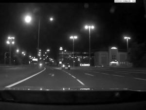 VIDEO: Divoká policejní honička v Olomouci. Ujíždějícího řidiče BMW musel zastavit až zátaras na ulici Tovární