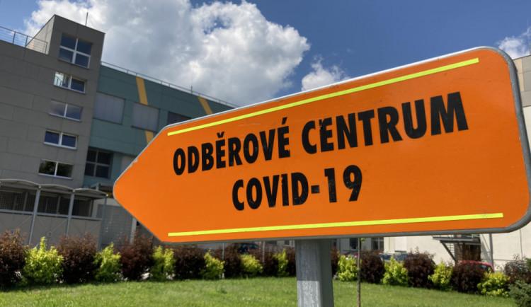 Tři nemocnice v kraji zdvojnásobí odběry na covid-19. FN Olomouc zaznamenala skokový nárůst pacientů