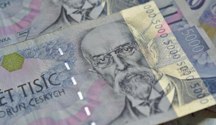 Příjmy z daní i pojistného by měly další roky růst, vyplývá z přehledu Ministerstva financí