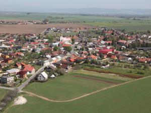 POLITICKÁ KORIDA: Jak vnímáte plánovaný zábor orné půdy u Hněvotína? Zeptali jsme se kandidátů do voleb
