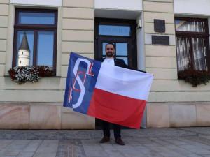 Přerovská radnice se rozhodla poprvé vyvěsit sokolskou vlajku