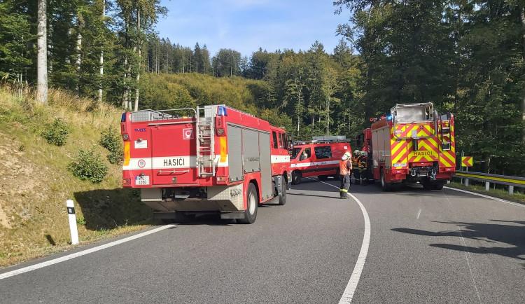 Mladý motorkář zemřel po nárazu do svodidel
