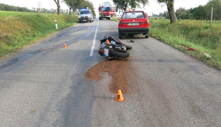 Dvě nehody motorkářů na Prostějovsku skončily leteckým transportem do FNOL