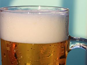 Pivo v Česku zdražuje. Po dalších značkách zvýšil ceny i Staropramen