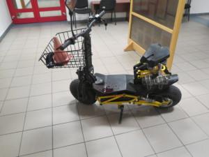 Spanilá jízda opilého cyklisty na elektrokole skončila nárazem do kovového zábradlí a převozem do nemocnice