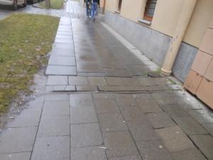 Od pondělí nepůjde zaparkovat v Pöttingově ulici. Budou se opravovat chodníky