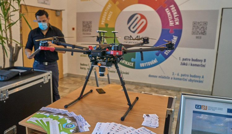 Střední průmyslová škola v Jeseníku připravuje kurz pilotování dronu