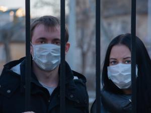 Obavy z koronaviru u Čechů rostou, doporučená opatření ale tolik nedodržují