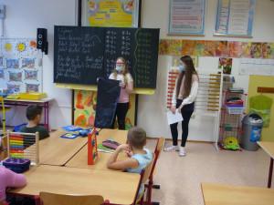 Žáci z prostějovské ZŠ E. Valenty v rámci projektu Get up and goals upozorňují na nadměrnou produkci plastů