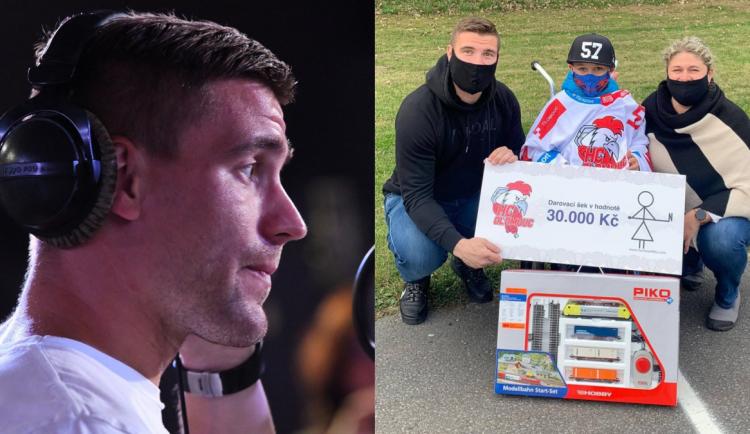 VIDEO: Hokejista Olesz zpíval v charitativní písničce! Nedávno navíc přispěl na vozík Bedříškovi