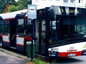 Kvůli nařízení vlády omezí DPMO noční a nedělní autobusové spoje