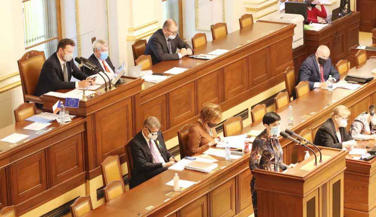 Vláda schválila prodloužení nouzového stavu. Bude platit do 20. listopadu