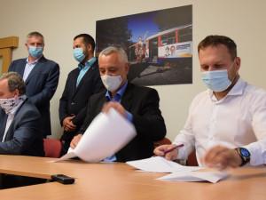 Krajští zastupitelé dnes zvolí nové vedení Olomouckého kraje
