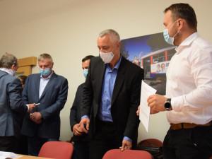 Novým olomouckým hejtmanem byl dnes zvolen Josef Suchánek