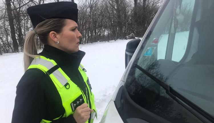V Prostějově pokutu za stěračem nenajdete, tamní strážníci přestupky nově řeší bez řidičů