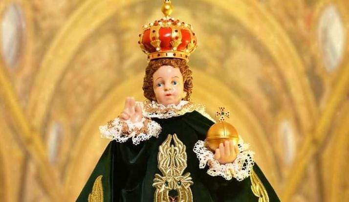 Na výstavě korunovačních klenotů nechybí ani slavná soška Pražského Jezulátka