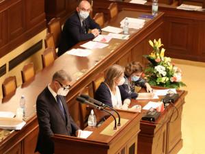 Sněmovna schválila prodloužení nouzového stavu do 12. prosince